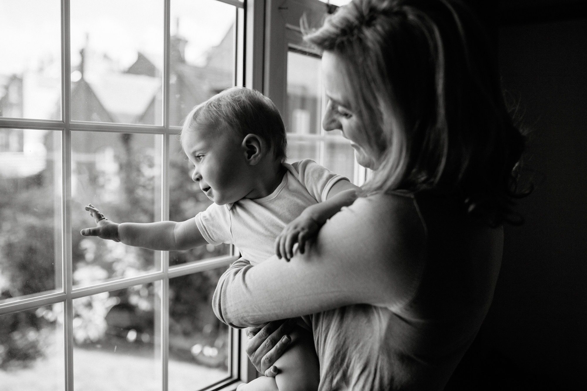 Lifestyle documentary family and child photographer