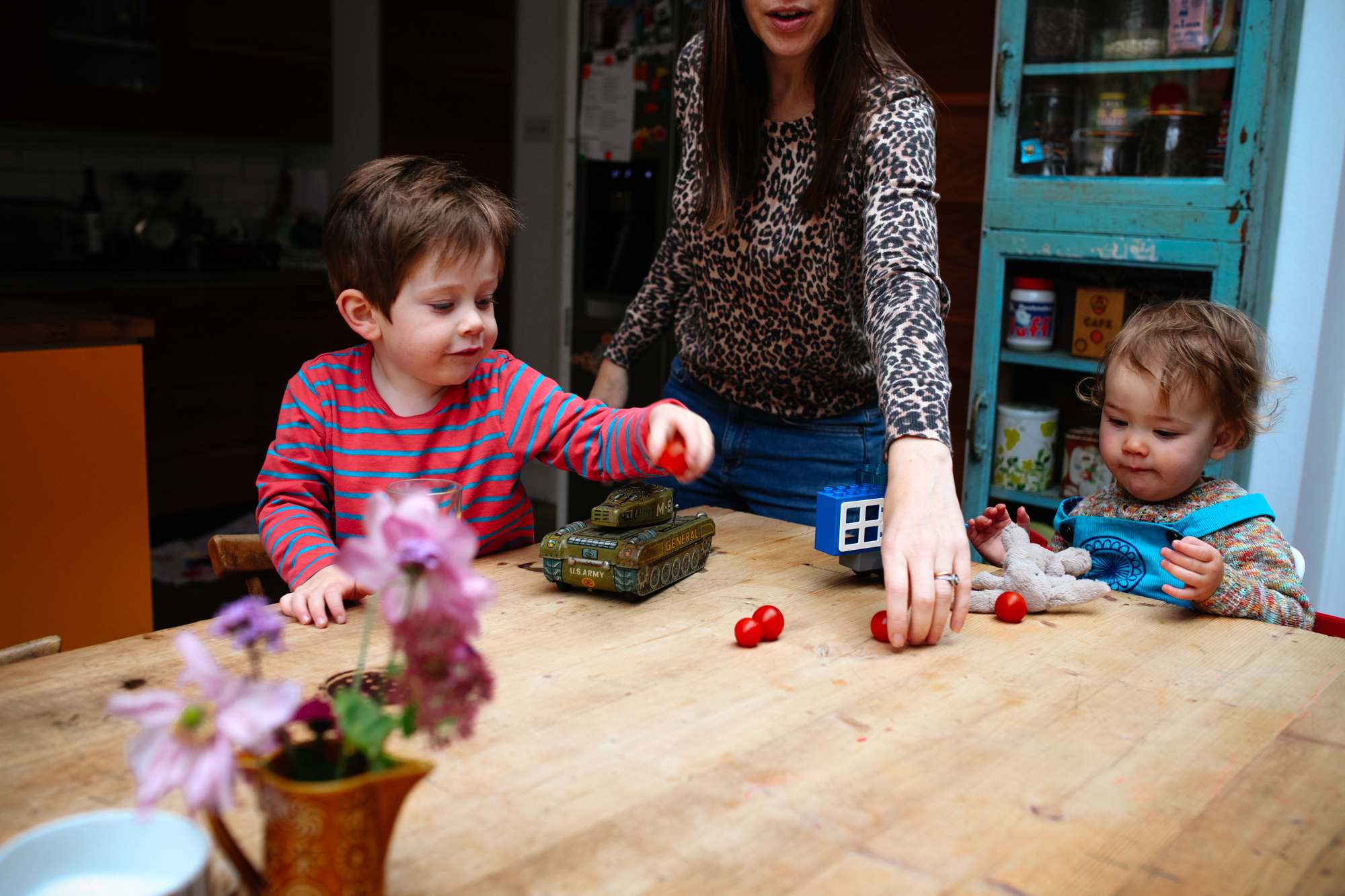 family lifestyle photography at home. London Children Photography
