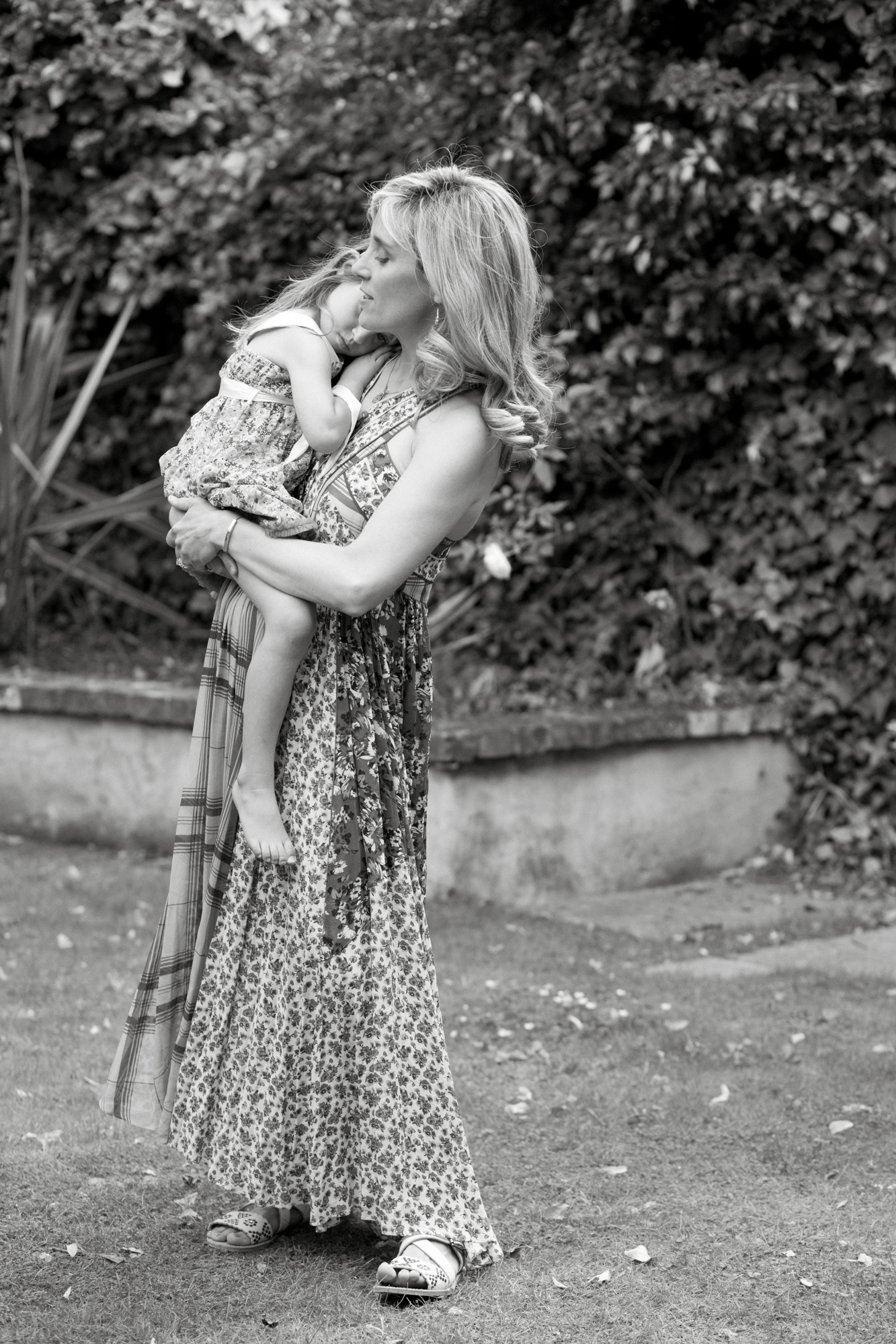 Family lifestyle photography in Primrose Hill, London London Children Photography