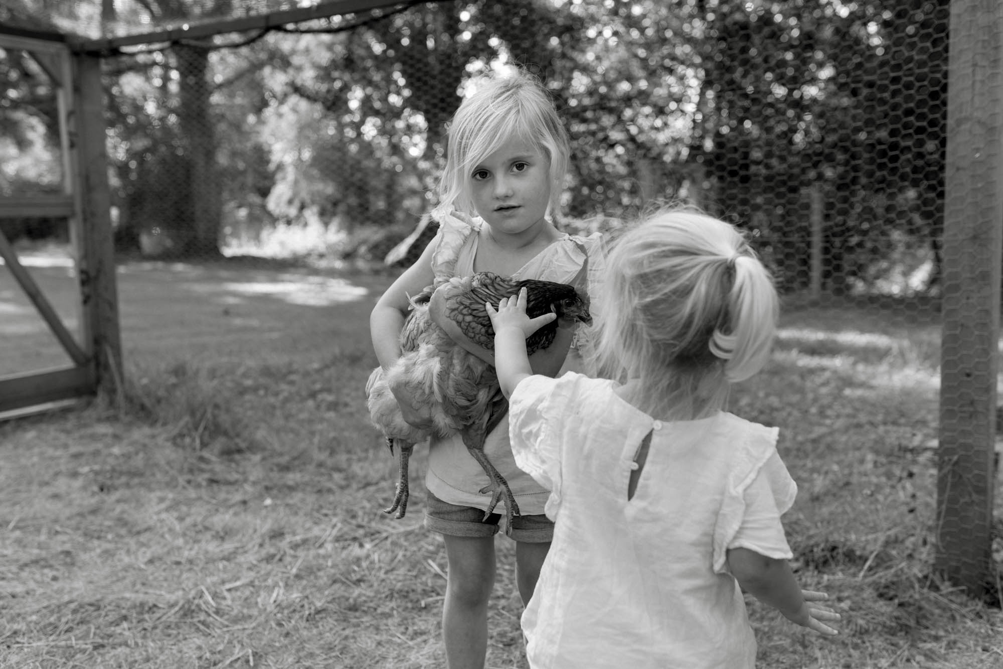 B&W childrens portrait photographer